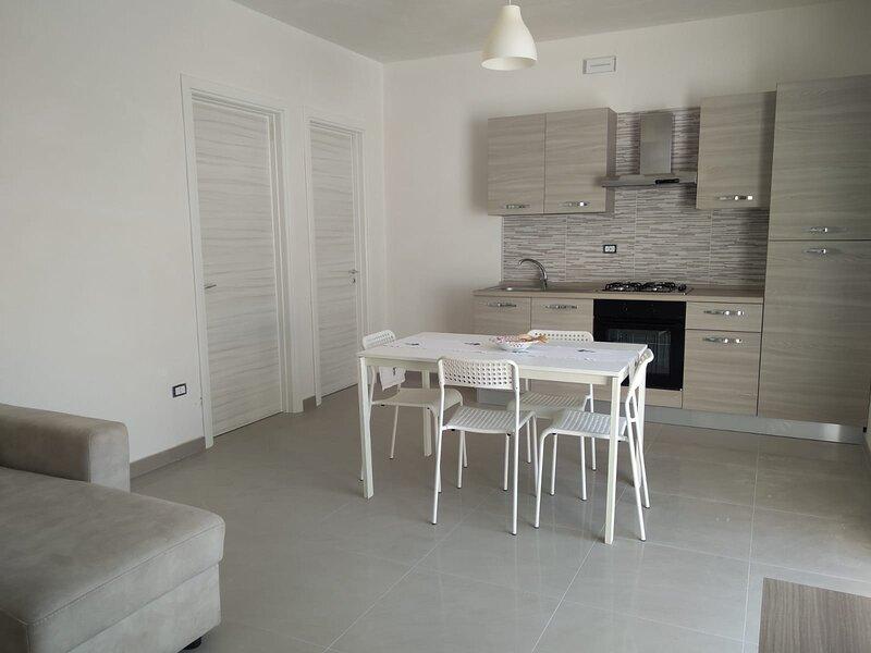 DonaSand_Bilocale al mare con ampio terrazzo, casa vacanza a Fontanelle