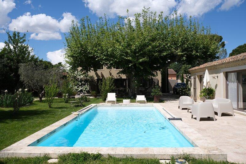 LS6-.377 DESPACIENTA - Location de prestige avec piscine privée pour 6 personnes, vacation rental in Saint Andiol