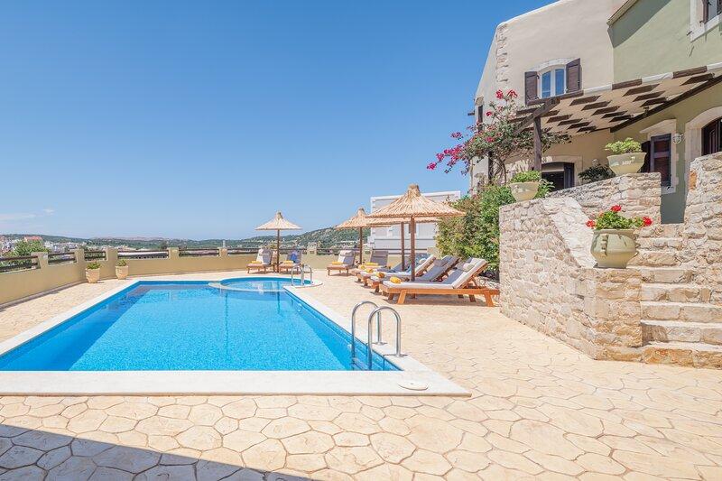 Dafni Villa, peaceful retreat!, holiday rental in Melissourgakion