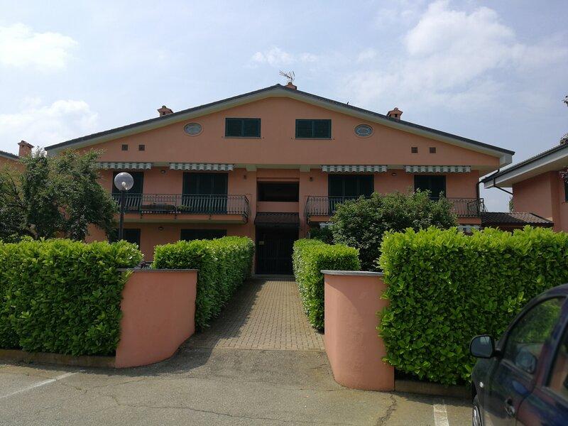NEL PRESTIGIOSO GOLF CLUB MARGARA, holiday rental in Felizzano