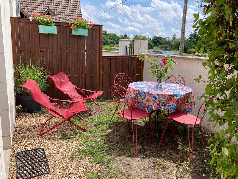 TRES BEAU  GITE MEUBLE DE TOURISME 2 * SELLES S/ CHER, holiday rental in Poulaines