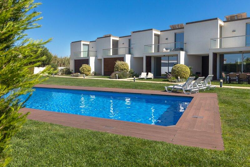 Villa Blue Sagres D, location de vacances à Sagres