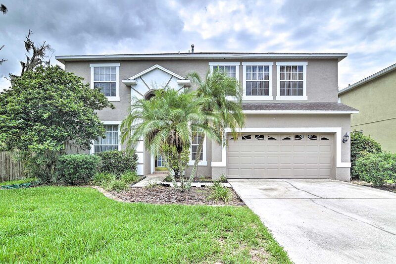 NEW! Spacious Brandon Home - 12 Miles to Tampa!, holiday rental in Riverview