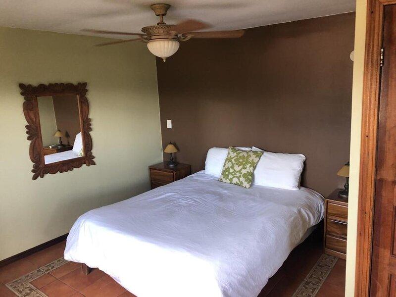 Mi Costa Rica Casa - Barva Room, holiday rental in Pilas