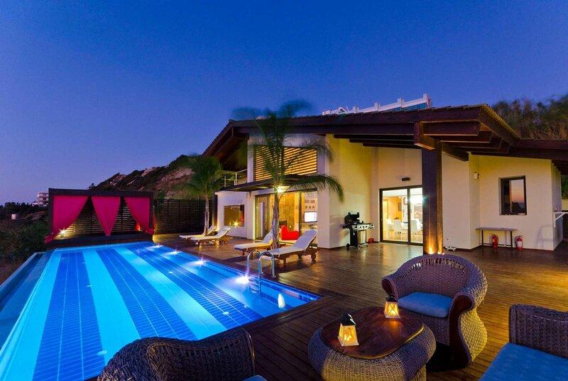 Luxury hillside villa, sea views, holiday rental in Asgourou