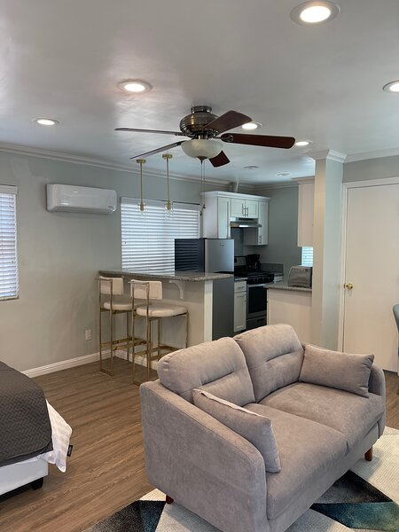 Private & Cozy Newly Remodeled Studio, holiday rental in Whittier