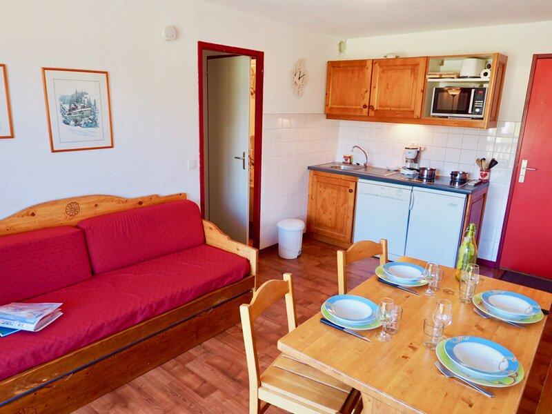 Beau 2 pièces vue Vanoise chambre double séparée, location de vacances à Saint-André