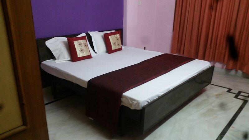 Double Bedroom Flat, casa vacanza a Jubbarhatti