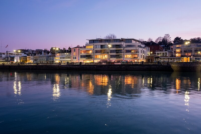 Cowes Parade Apartment, vacation rental in Fawley