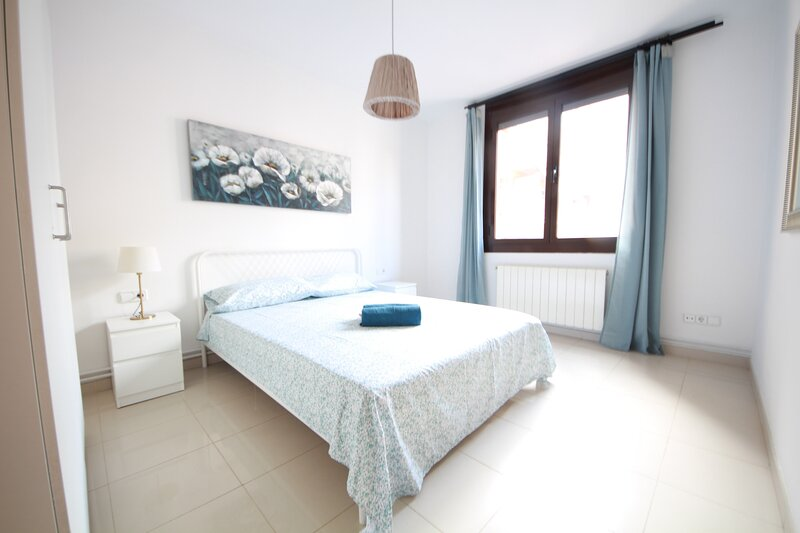 3 Rooms apartment in one of the best neighborhoods, holiday rental in Barcelona