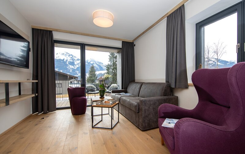 Emma Deluxe Aparthotel  Top 13, holiday rental in Piesendorf