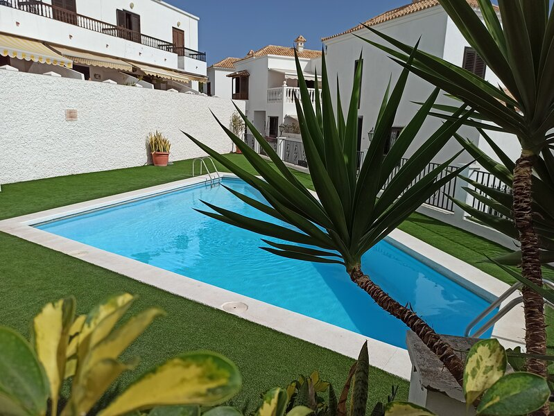 Casa Magdalena - private House with pool, holiday rental in Chayofa