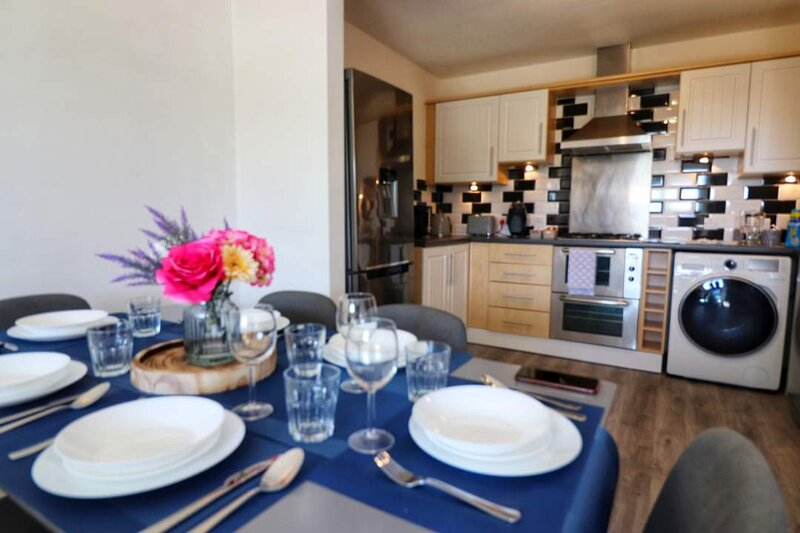 Charming 2-Bed Apartment in Peterborough, holiday rental in Peterborough