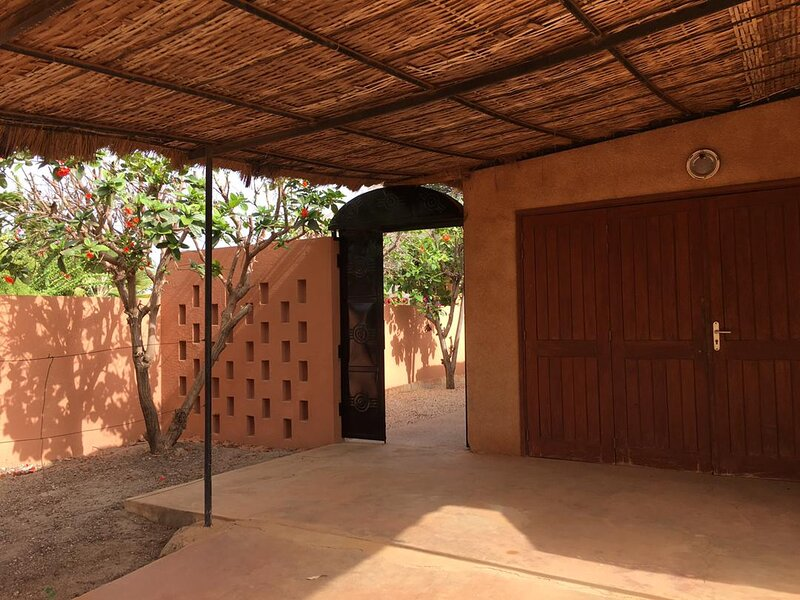 CHARMANTE VILLA DANS UNE RESIDENCE DE STANDING, holiday rental in Joal Fadiouth