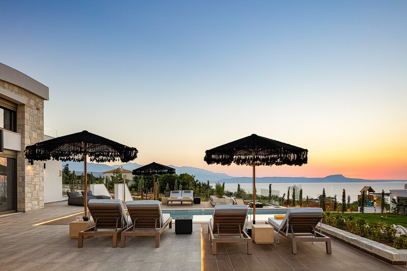 Oneiric Exclusive Villa I, holiday rental in Atsipopoulo
