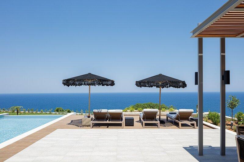 Oneiric Exclusive Villa II, holiday rental in Atsipopoulo
