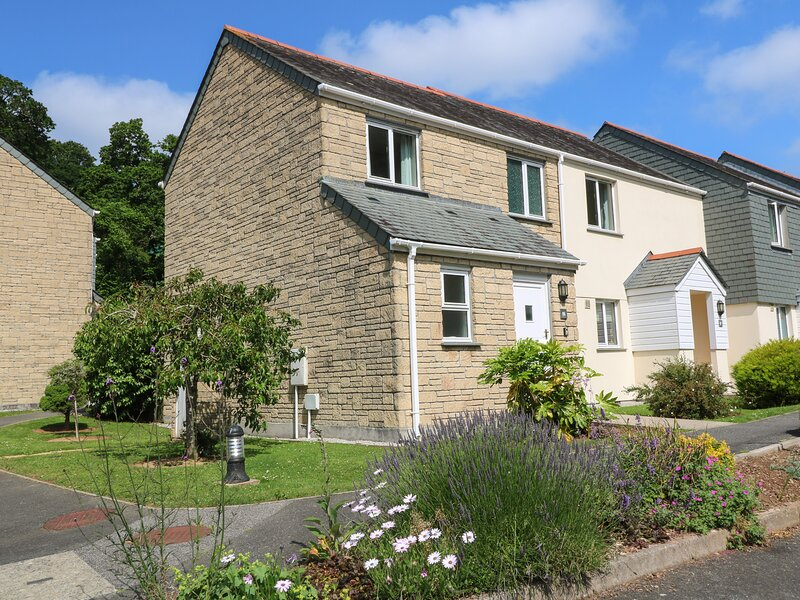 Blackbird Cottage, Falmouth, holiday rental in Mawnan Smith