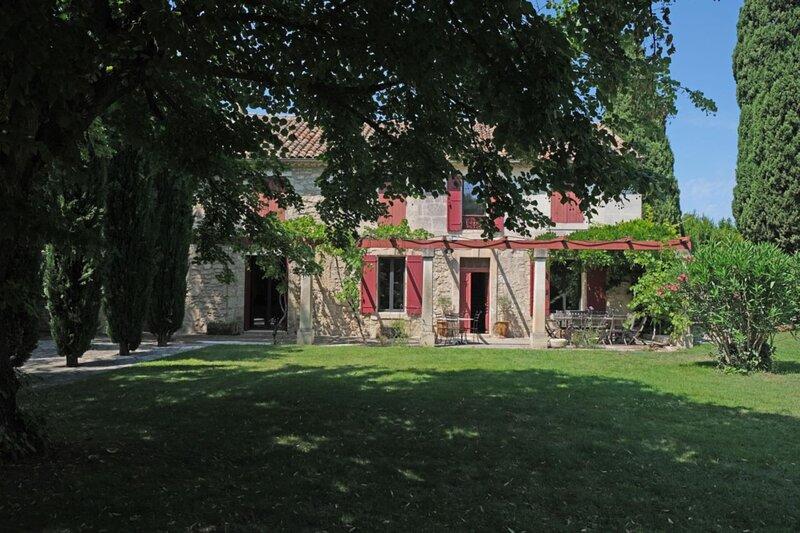 LS1-301 OUSTALADO, Beautiful Provençal Mas in Maussane les Alpilles, location de vacances à Maussane-les-Alpilles