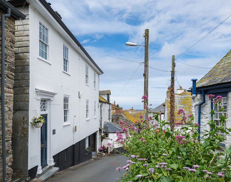 Church Hill House, holiday rental in Trelights