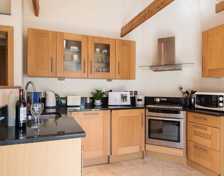The Barn, holiday rental in Tredrizzick