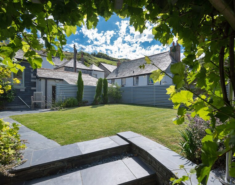 Trevan House, Port Isaac, holiday rental in Trelights