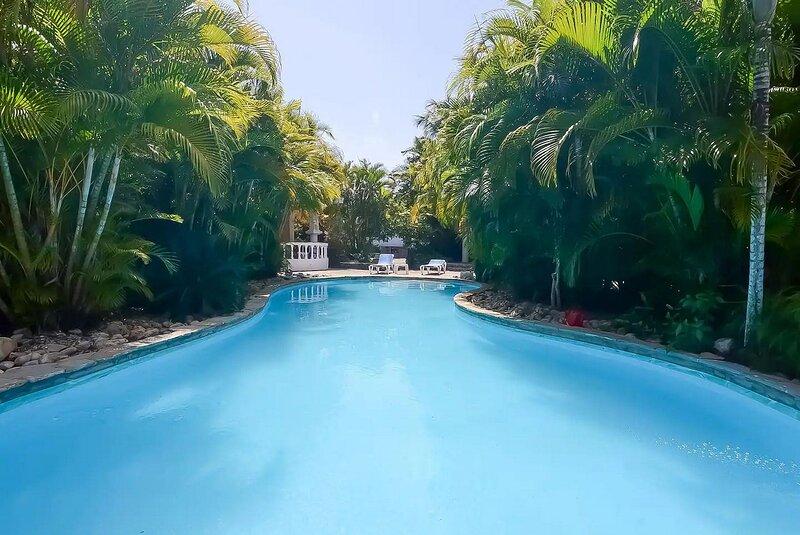 Caribbean villa near sandy beach, 3 bedrooms, ready to welcome you!, holiday rental in Perla Marina