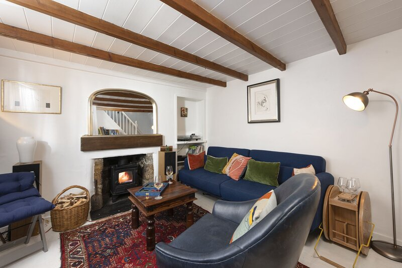 Sea Thrift - A hidden romantic retreat in the village of Mousehole, just a short, vacation rental in Paul