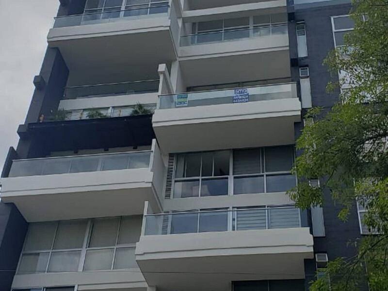 El Poblado Apartment Close To Lleras Park, holiday rental in Envigado