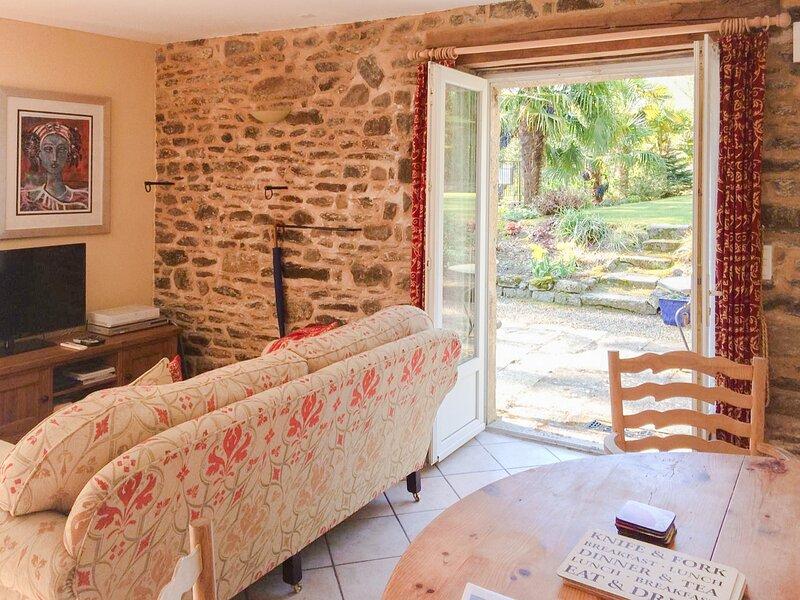 Degas Apartment, Lehon, Dinan, Brittany, holiday rental in Saint-Judoce