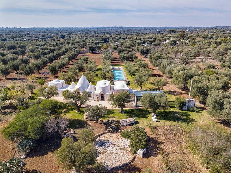 San Michele Salentino Villa Sleeps 8 with Pool - 5416222, location de vacances à San Michele Salentino