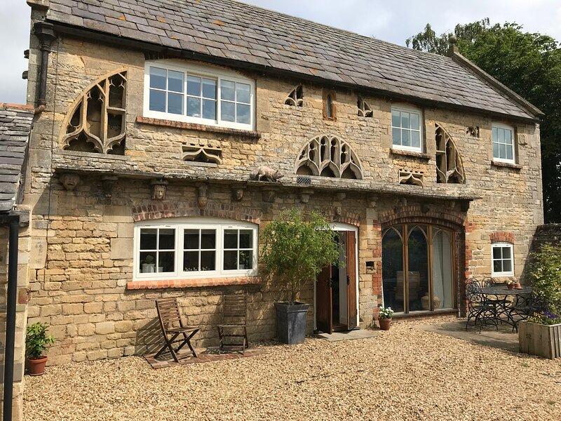 Halliday's Folly, Rutland Retreat, Sleeps 4 plus 2, vacation rental in Wymondham