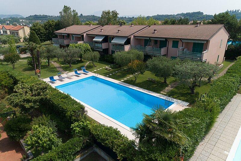 ORTENSIA - RESIDENCE OLIVI, holiday rental in Piovezzano