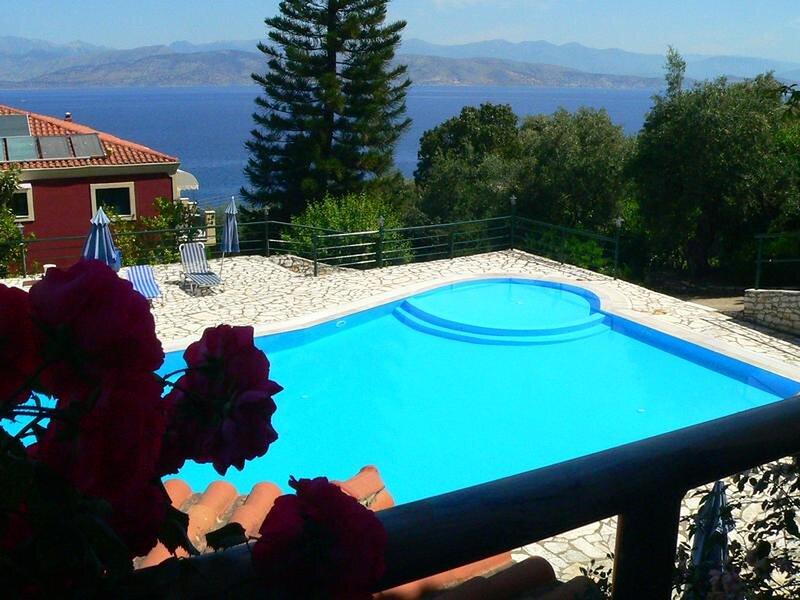 Apraos Bay Hotel In Kalamaki Beach- peaceful area with great sea view, holiday rental in Ágios Ilías