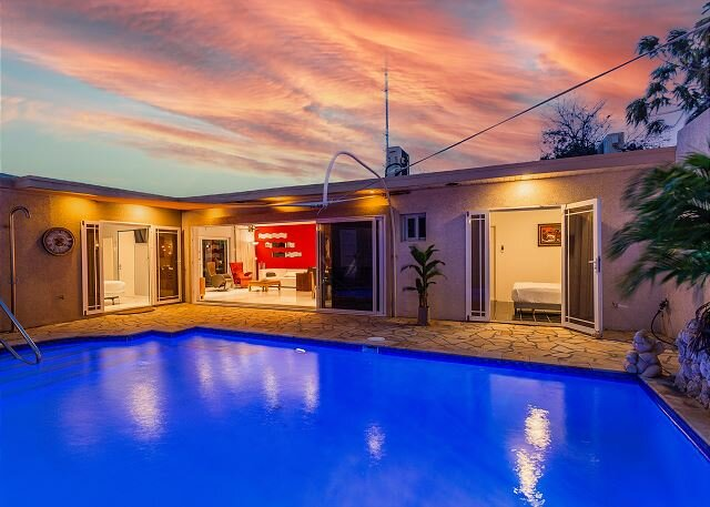New Listing I 6 BR / 6 Bath Family Hideaway I Sunset View, holiday rental in Oranjestad