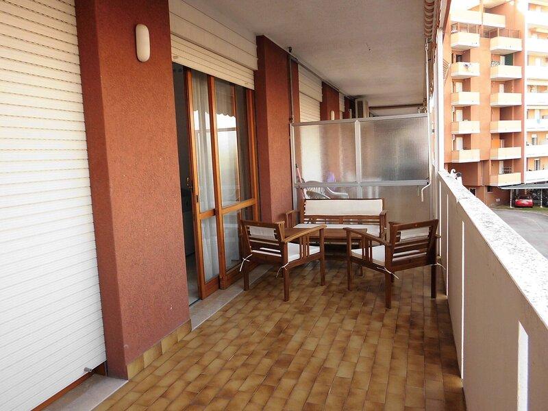 Bello Appartamento per 5 Persone - Ac - Terrazzo - Piscina, location de vacances à Porto Santa Margherita