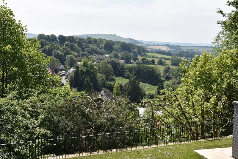 The View, Charming 2-Bed Apartment in Shaftesbury,, holiday rental in Fontmell Magna