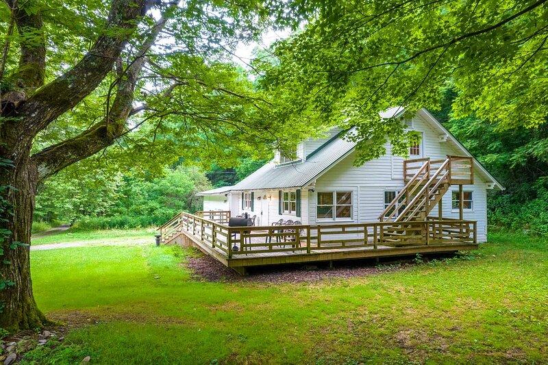 Mountain Creek Lodge, aluguéis de temporada em Sylva