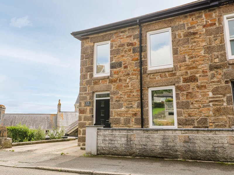 12 Thornberry Terrace, Penzance, holiday rental in New Mill