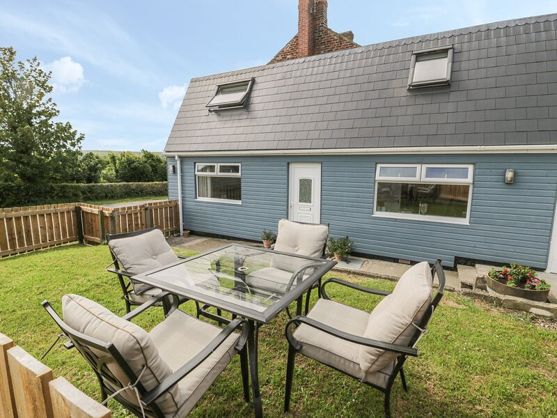 Coach House Cottage, Staithes, vacation rental in Runswick