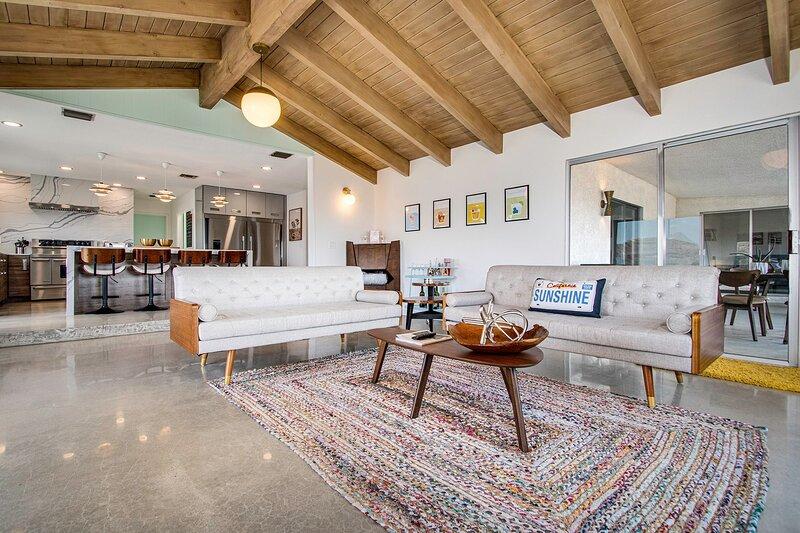 * Marbella Lane - Yucca Valley Hilltop Haven, holiday rental in Yucca Valley
