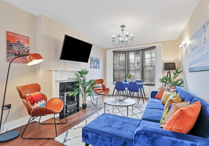 Central Lanes Pad - Moments from the seafront and Royal Pavillion, location de vacances à Brighton and Hove