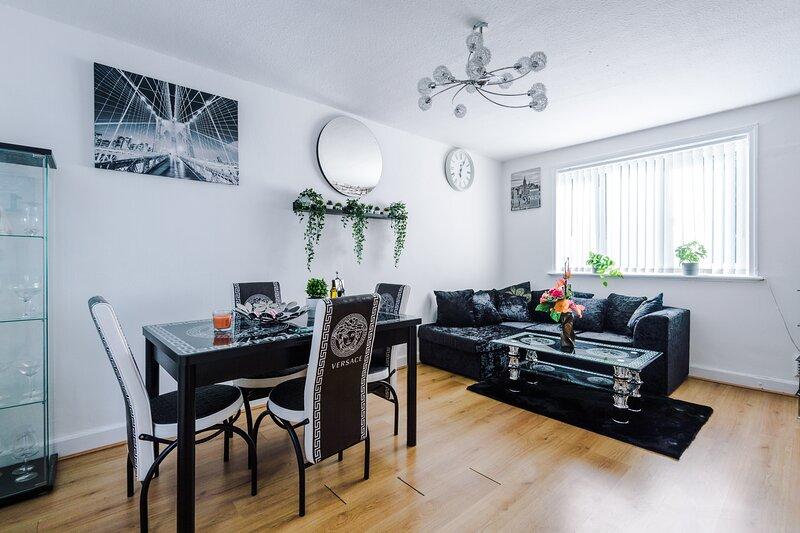 Spacious & luxurious 3-Bed House in Manchester, location de vacances à Ashton-under-Lyne