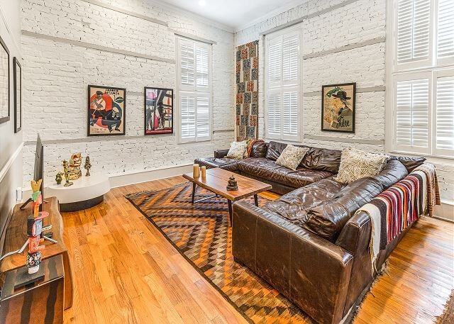 New York Chic Meets Southern Comfort In Prime Location by Lucky Savannah!, holiday rental in Savannah