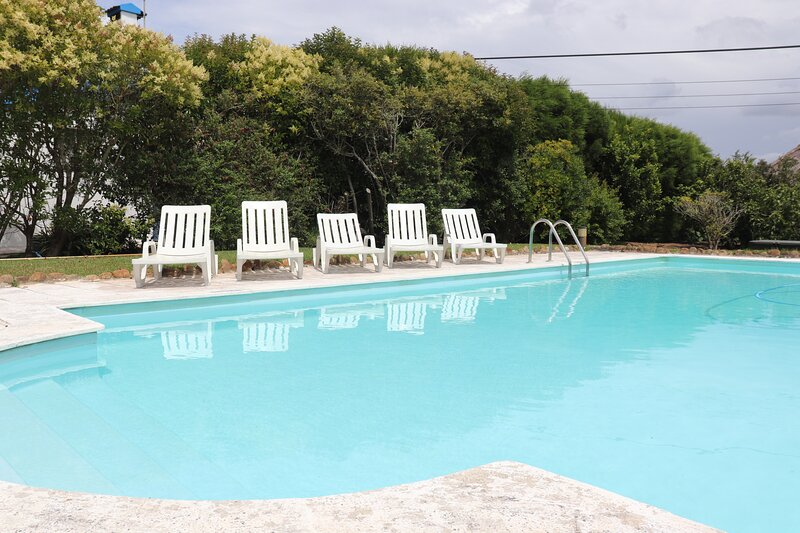 Mouros House for 16 persons with swimming pool | Ericeira, holiday rental in Santo Isidoro