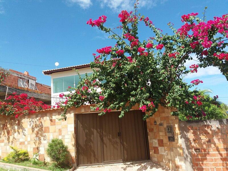 Casa espaçosa e proxima da praia, 3 suites, Jauá, holiday rental in Abrantes