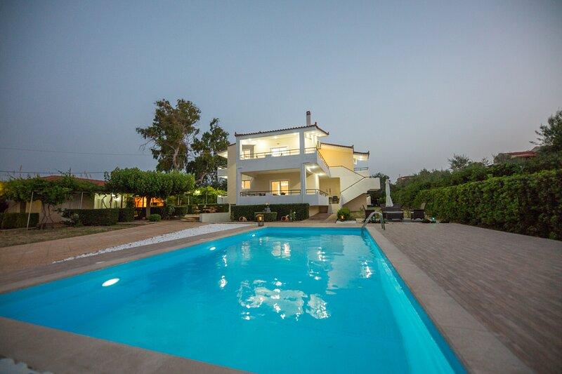 Sea Side Villa, alquiler de vacaciones en Corinthia Region