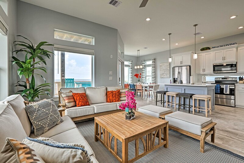 Galveston Vacation Rental | 5BR | 4.5BA | 2 Stories | 2,086 Sq Ft