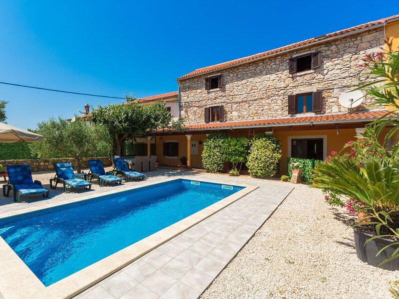 Villa Lucky, holiday rental in Fiorini