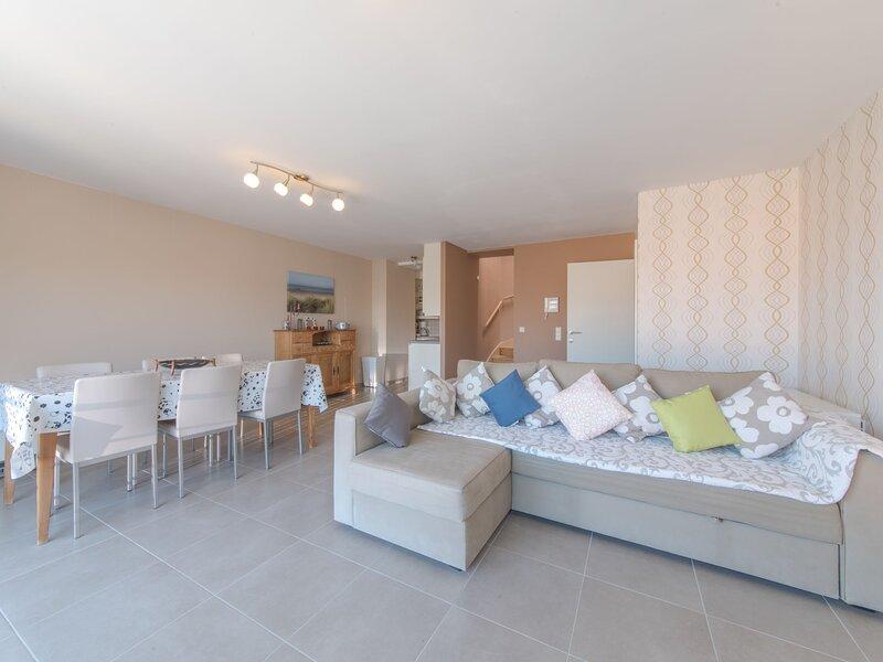 Residentie Zandloper II, vacation rental in Bredene