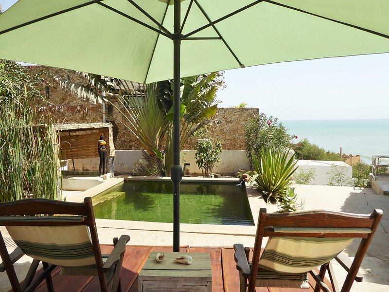 Villa Joko: plage à 20m, piscine écologique, vue océan, pension, holiday rental in Guereo